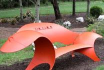 Оригинальные скамейки из газовых баллонов