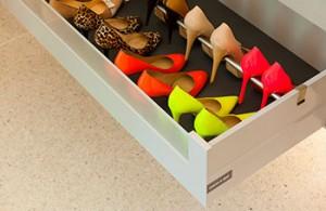 Гардеробная DRESSWALL - ящик в комоде для обуви