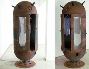 шкаф из глубинной бомбы