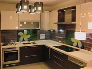 Угловые кухни - отличный выбор для любой квартиры
