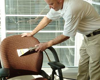 Советы по уходу за офисными креслами